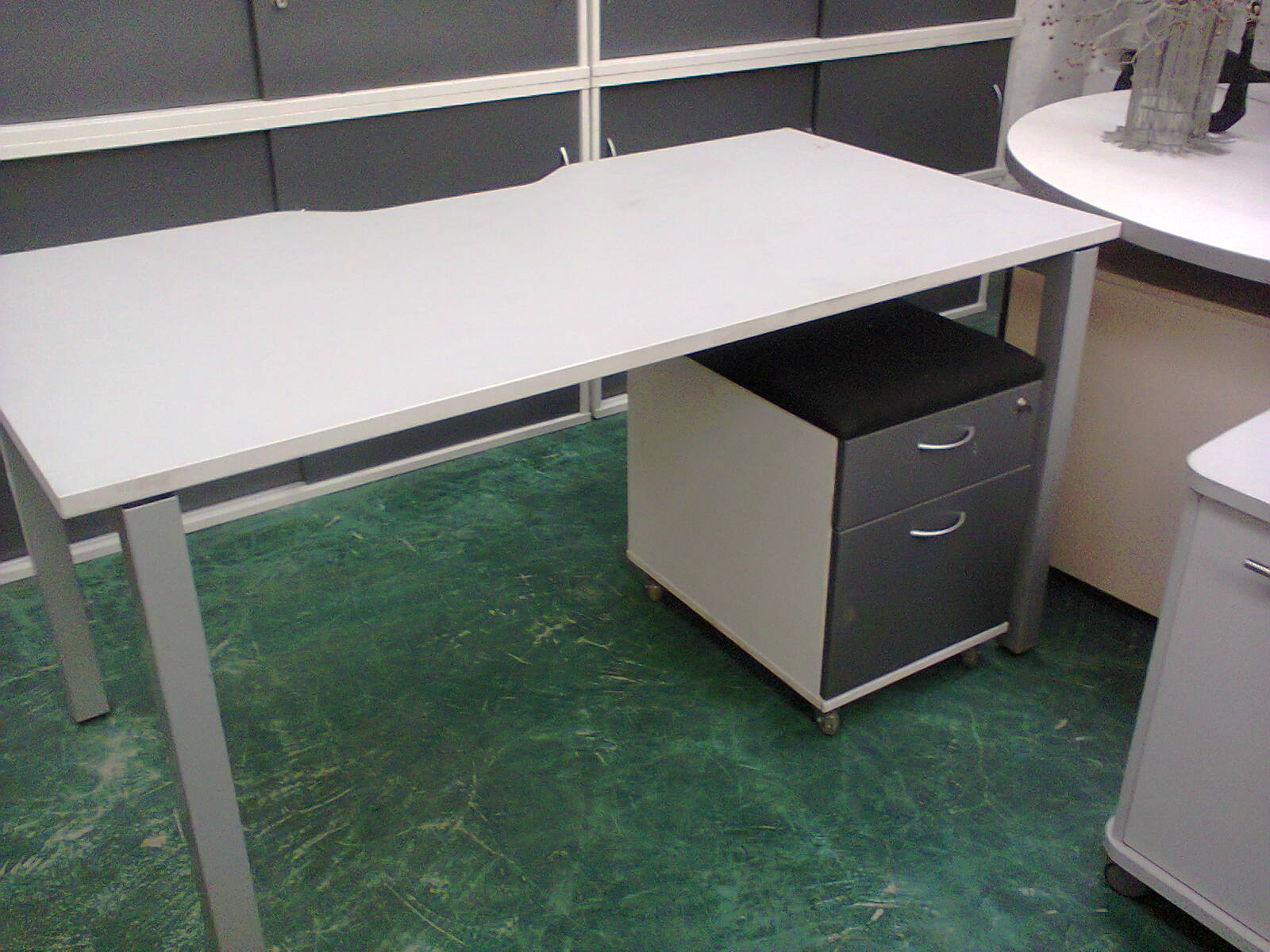 White Rect Desk + Drawer unit