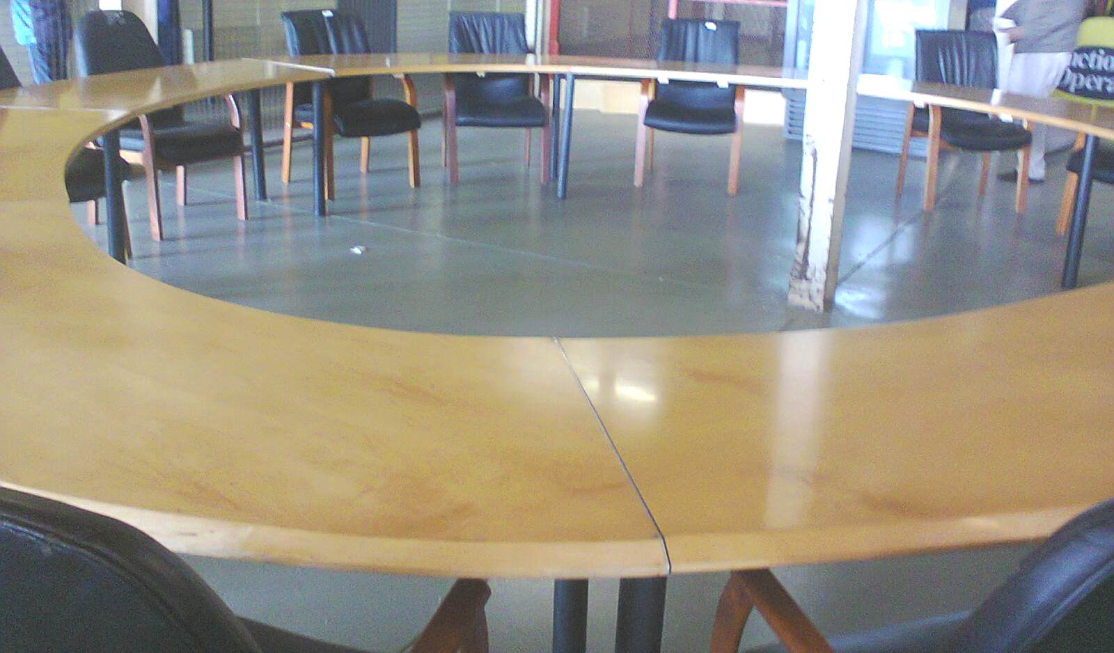 BOARDROOM - CONFERENCE table 600cm. diameter