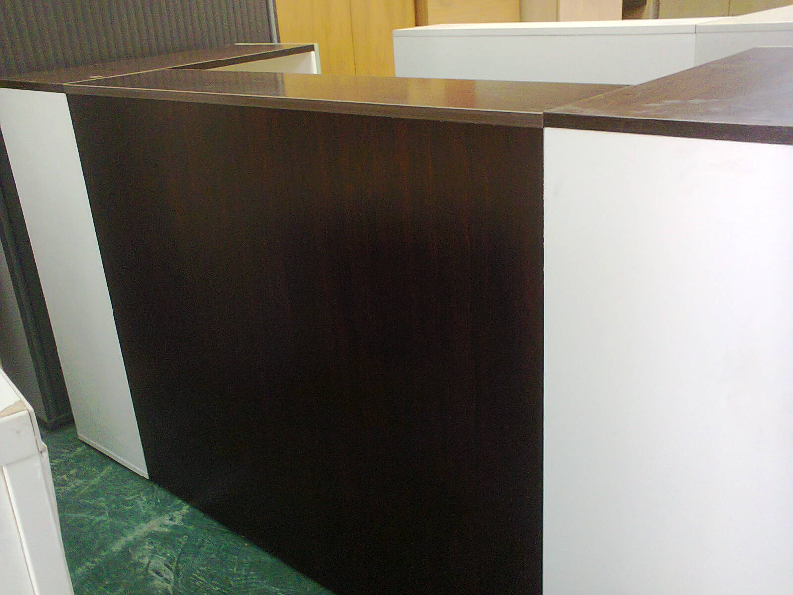 RECEPTION COUNTER - mahogany + white